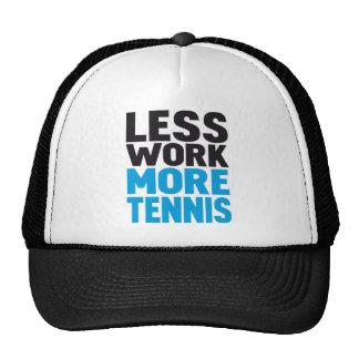 menos trabajo más tenis gorras