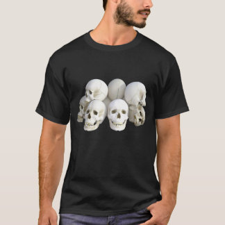 Men's Basic Dark T-Shirt/Realistic Skulls T-Shirt