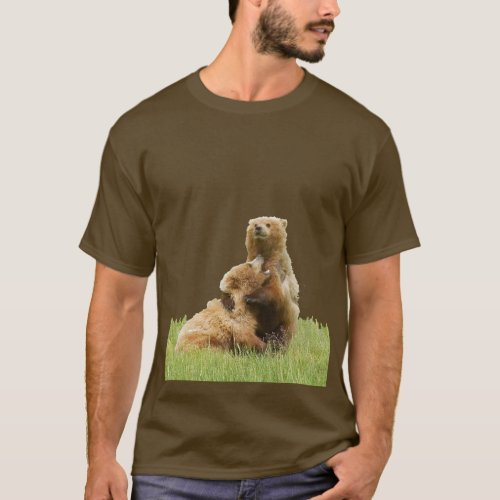 Mens Basic Dark T_Shirt w grizzly bear  cubs