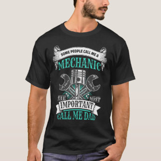 Mens Mechanic Dad Gift for Father T-Shirt