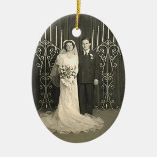 Mensaje personal del ornamento de la foto del adorno navideño ovalado de cerámica