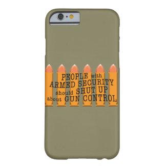 Mensaje sobre el control de armas usando balas funda de iPhone 6 barely there
