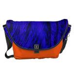 Mensajero grande de la bestia azul y anaranjada de bolsa de mensajeria