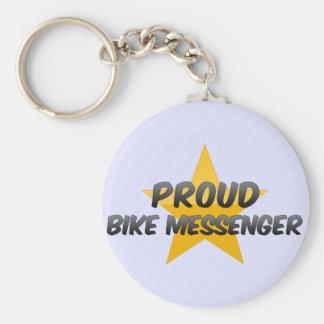 Mensajero orgulloso de la bici llavero redondo tipo pin