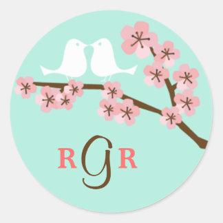 Menta y boda rosado de la flor de cerezo pegatina redonda
