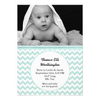 Menta y invitación blanca del nacimiento del bebé