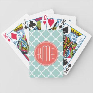 Menta y Quatrefoil coralino con el monograma de en Baraja Cartas De Poker