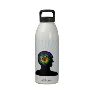 mente humana botella de agua