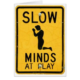 Mentes lentas en el juego - tarjeta divertida de