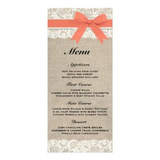 Menú coralino rústico de la arpillera y del boda d tarjeta publicitaria