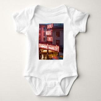 Mercado de lugar de Pike Camisas