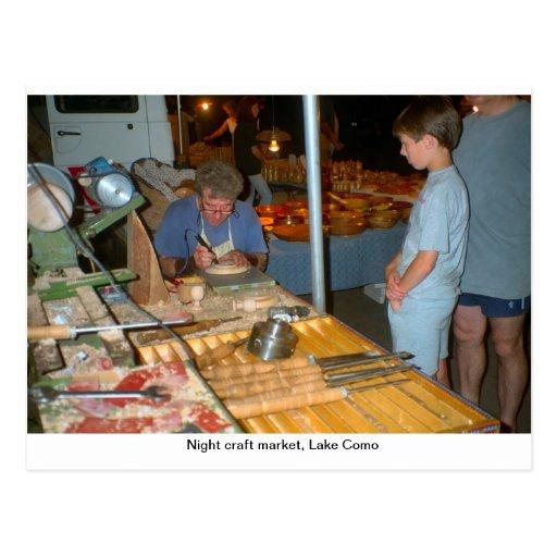 Mercado del arte de la noche, Menaggio, lago Como Tarjeta Postal