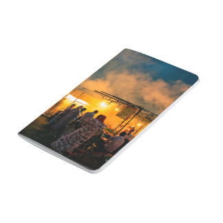 Mercado exótico en la noche cuadernos grapados