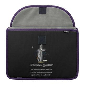 Mercancía cristiana del soldado fundas para macbook pro
