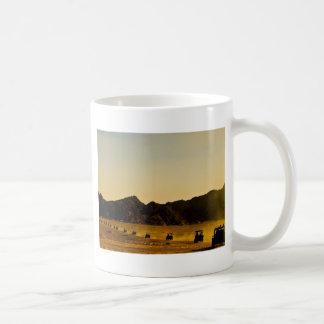 Mercancía egipcia del desierto taza básica blanca