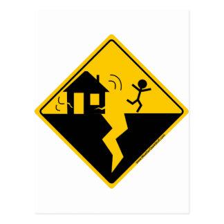 Mercancía y ropa de la advertencia del terremoto postales