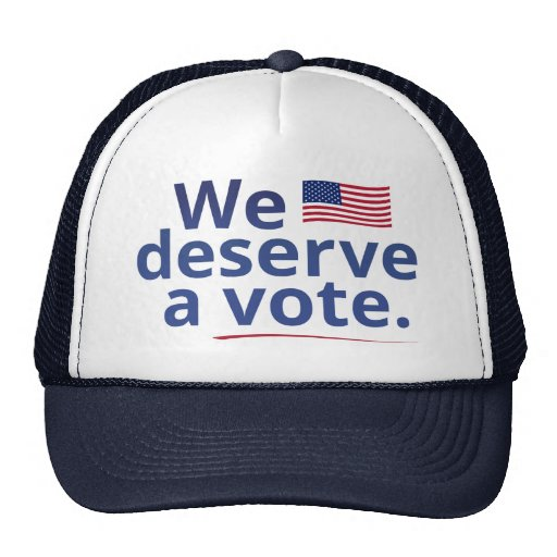Merecemos un voto (con la bandera americana) gorros bordados