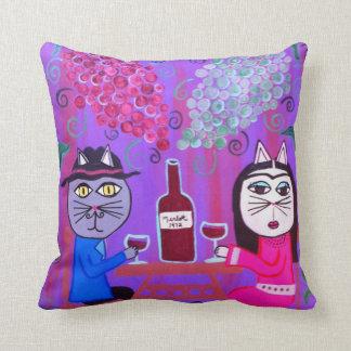Merlot del vino de los gatos del arte popular de cojín decorativo