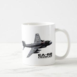 Merodeador de EA-6B Taza Básica Blanca