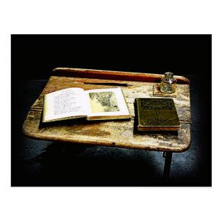 Mesa del vintage - escritorio del estudiante tarjetas postales