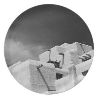 Mesón del adobe del estilo del pueblo en Loretto Platos De Comidas
