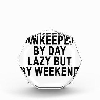 Mesonero por el fin de semana perezoso Tees.png