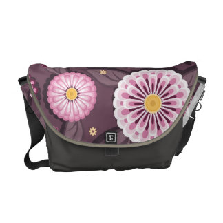 Messenger bag with daisy patterns
