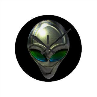 Metal Alien Head 02 Wall Clock
