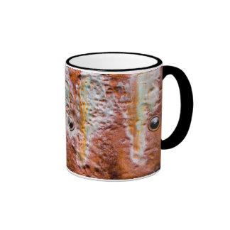 metal eyes rust ringer mug