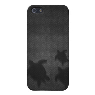 Metal Grate with Hawaiian Honu Family - For Da Guy iPhone SE/5/5s Cover