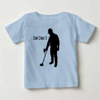 Metal que detecta - el papá lo cava - la camisa
