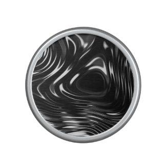 Metalic Liquid in Black and White Speaker