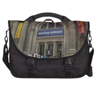Metropolitan Museum of Art (the MET) Photo Laptop Messenger Bag