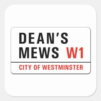 Mews de decano, placa de calle de Londres Calcomanias Cuadradas