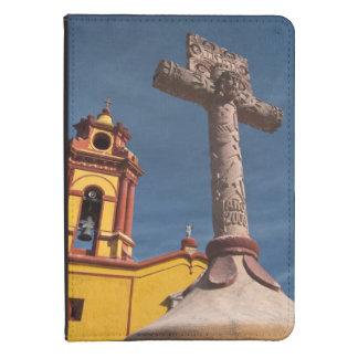 México, Bernal. Vista de Iglesia de San Sebastián Funda Para Kindle