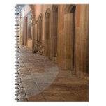 México, San Miguel de Allende, acera con Libros De Apuntes Con Espiral