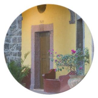 Mexico, San Miguel de Allende, Archway entrance Dinner Plate