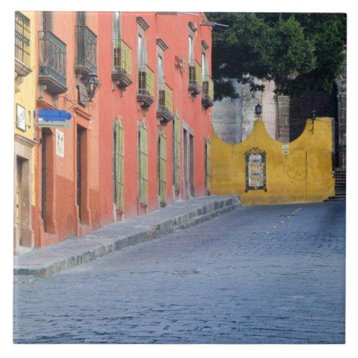 Mexico, San Miguel de Allende, Homes along Large Square Tile