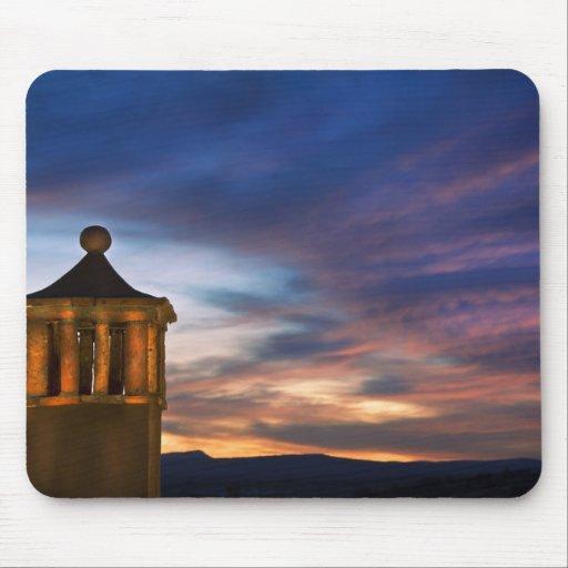 México, San Miguel de Allende. Puesta del sol enci Mouse Pads