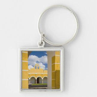 México, Yucatán, Izamal. El convento franciscano 2 Llaveros Personalizados