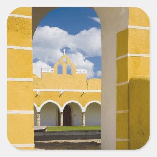 México Yucatán Izamal El convento franciscano 2 Pegatinas Cuadradas Personalizadas