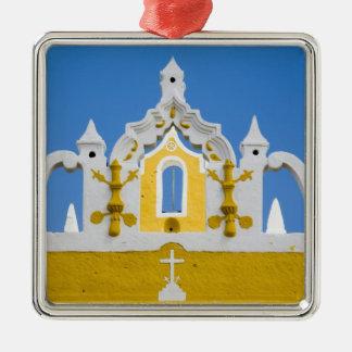 México, Yucatán, Izamal. El convento franciscano 3 Adorno Cuadrado Plateado