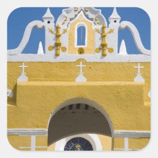 México Yucatán Izamal El convento franciscano Calcomanía Cuadradas Personalizadas