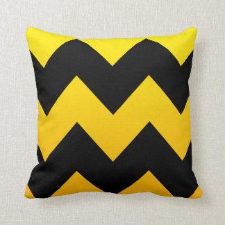 Mezcla amarilla y modelo negro de Chevron Cojín Decorativo