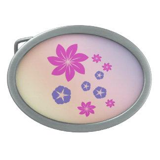 Mezcla floral simple con armonía del color hebilla de cinturón