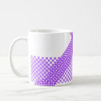 Mezcla y partido púrpuras taza básica blanca