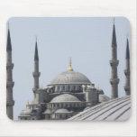 Mezquita azul con la curva de la bóveda principal mouse pad