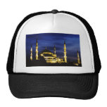 Mezquita de Yeni Valide en la noche Gorro
