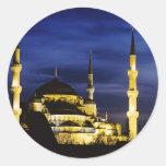 Mezquita de Yeni Valide en la noche Pegatina Redonda