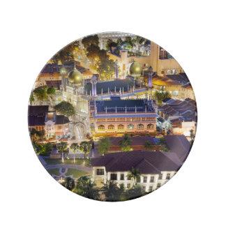 Mezquita del sultán en la ciudad de Singapur en la Plato De Cerámica